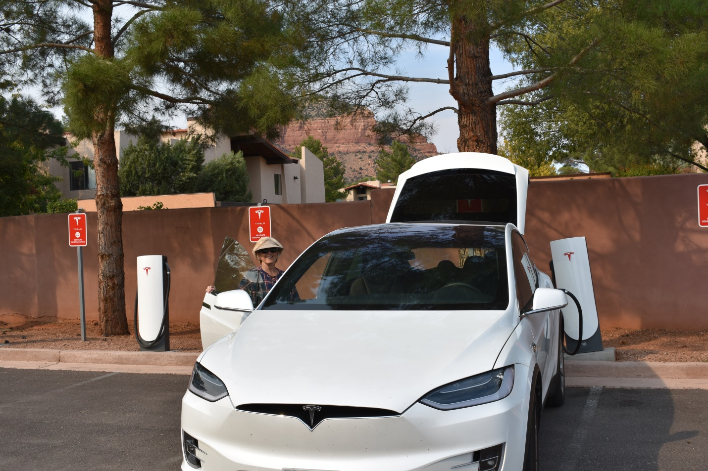 The Tesla Supercharger in the Village of Oak Creek, AZ, 50 feet from the ice cream shop